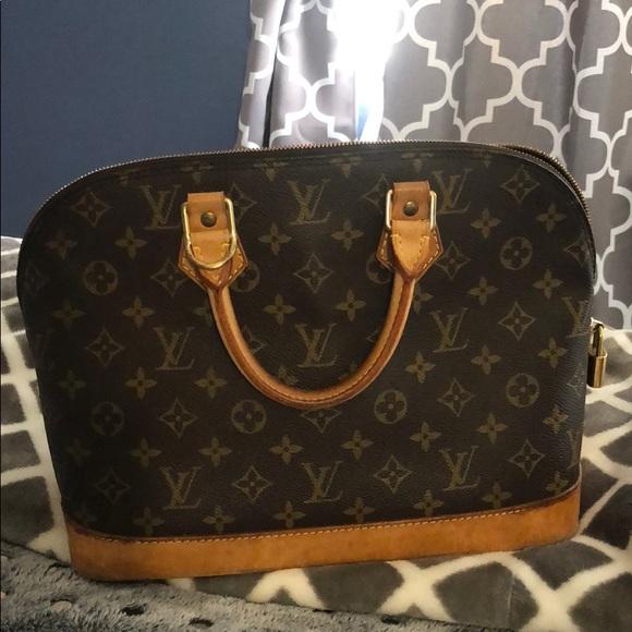 db699a2e3e32 Louis Vuitton Handbags - Preloved authentic Louis Vuitton Alma purse